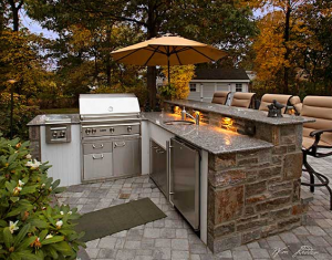 Outdoor kitchens and grills add immense value and aesthetic appeal to your property.