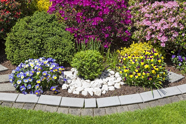 How To Create The Perfect Garden Bed Edges
